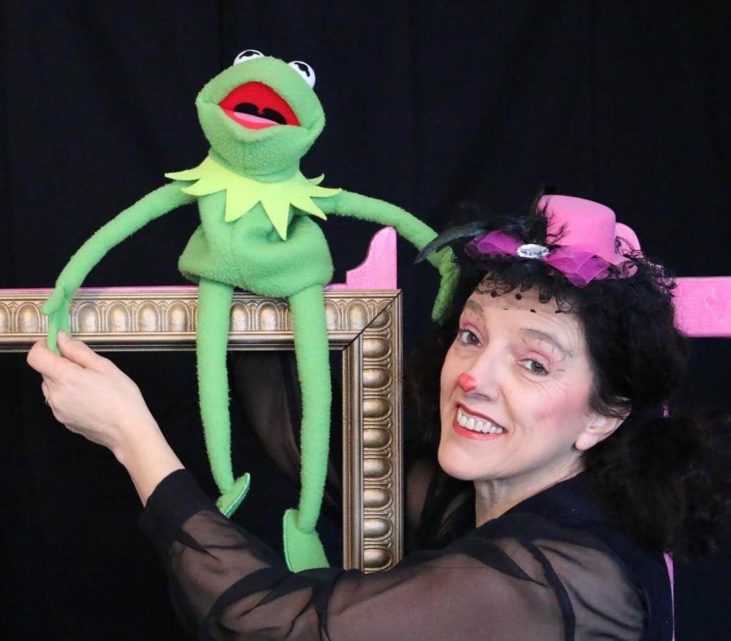 """""""Jeanne de la Fontaine"""" : la grenouille qui veut se faire..."""